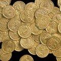 Британский археолог-любитель нашел клад золотых монет